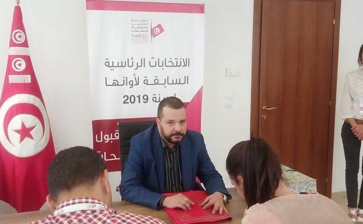 Mounir Baatur es el primer candidato abiertamente gay en Túnez