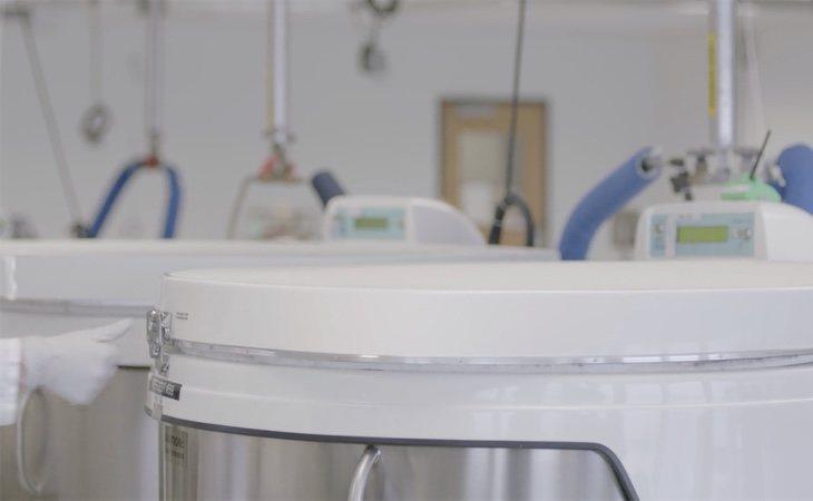 Las cámaras de almacenamiento criogénico conservan el esperma en Dadi durante un máximo de seis años