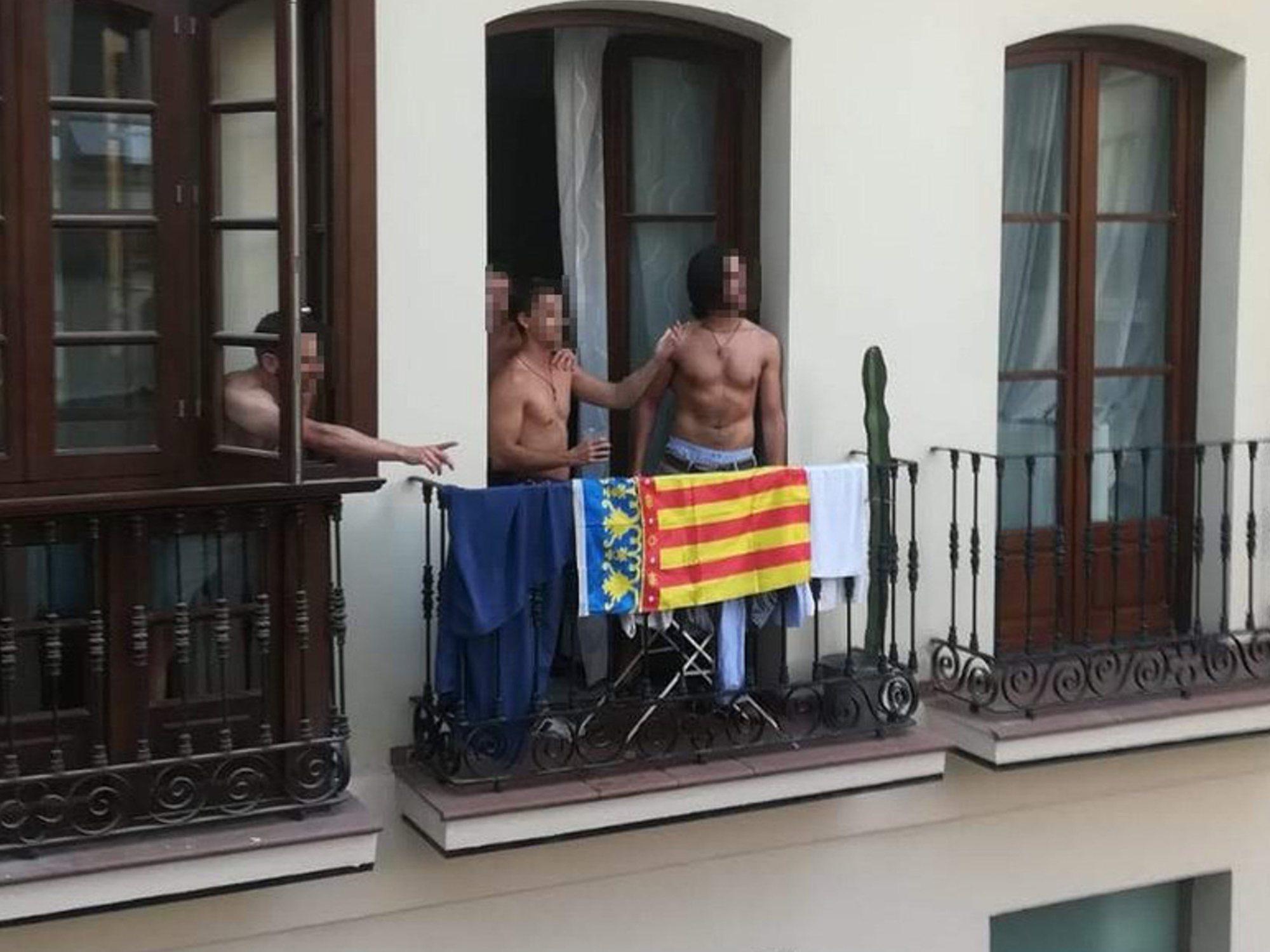 """""""¡Viva España, cabrones"""": a ladrillazos por confundir una senyera valenciana con la independentista catalana"""