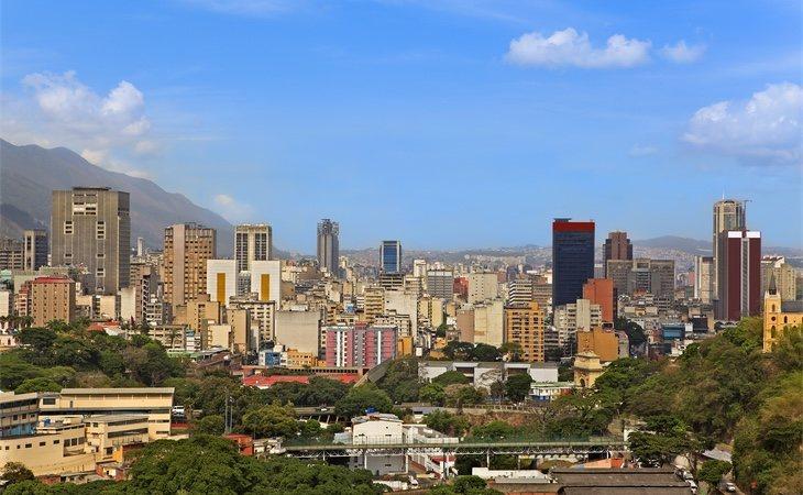 El flamante skyline de Caracas no esconde la realidad existente en sus calles