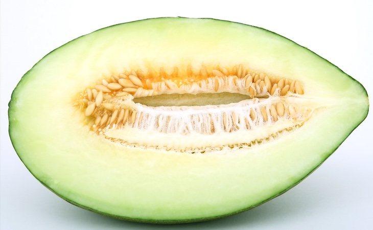 Es ideal consumir el menlón recién cortado y refrigerar el resto inmediatamente