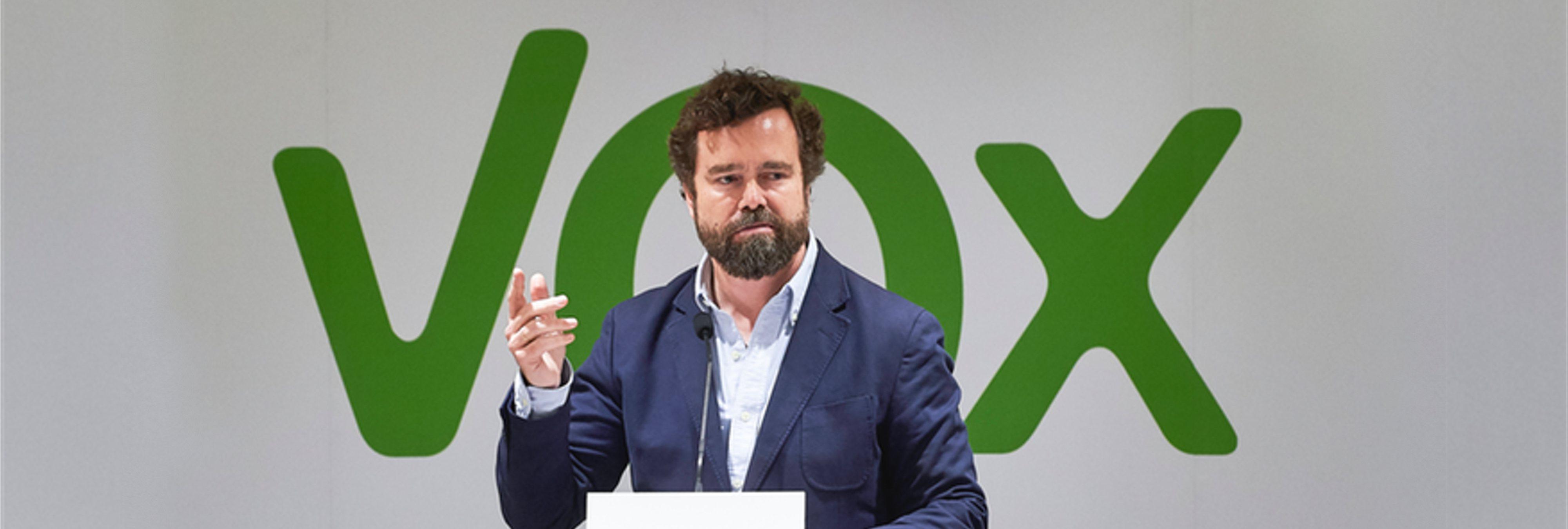 """Espinosa de los Monteros (VOX): """"Los inmigrantes que llegan a España no tienen dignidad"""""""