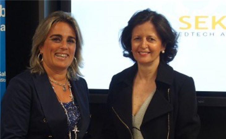 Blanca Montero, por aquel entonces directora territorial del Banco Sabadell, y Concha Canoyra posan juntas en un proyecto emprendedor del SEK en 2016