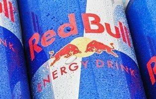 """Obligan a Red Bull a indemnizar a los consumidores que creyeron que su bebida """"da alas"""""""