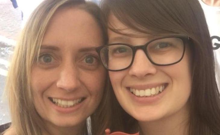 Alice Bowerman y Terri-Ann Metcalfe han sufrido un ataque homófobo