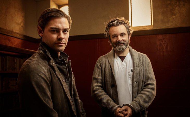 Tom Payne y Michael Sheen en 'Prodigal Son'