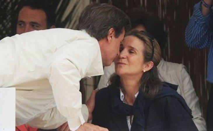 Cayetano Martínez de Irujo y la infanta Elena mantuvieron un breve romance