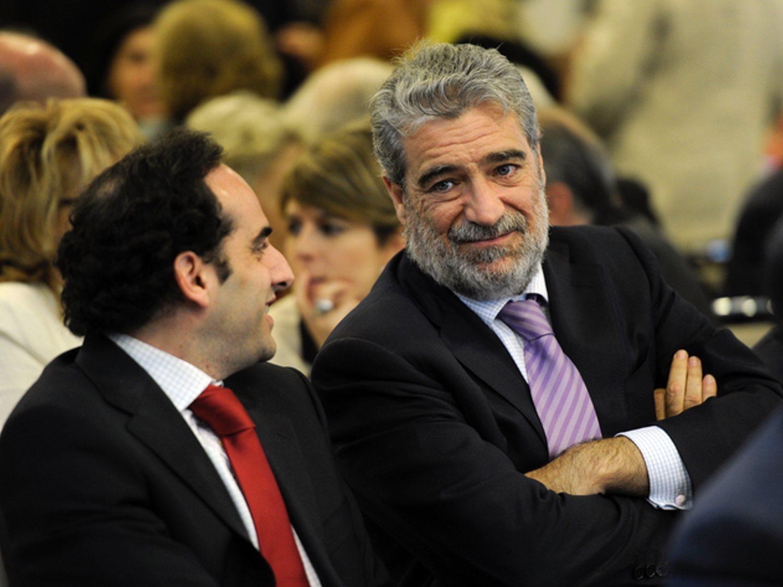 """Asesor de Ayuso denuncia que el padre de Aguado logró un contrato de 120.000 euros """"por la cara"""""""