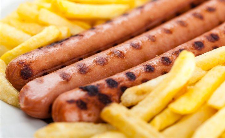 La dieta del joven se basaba en patatas fritas y salchichas procesadas