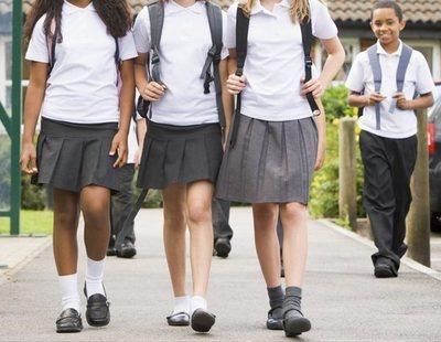 """Un colegio católico concertado de Madrid obliga a sus alumnas a vestir falda: """"Están incómodas"""""""