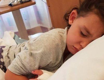 Una niña británica, al borde de la muerte por septicemia tras probarse unos zapatos sin calcetines