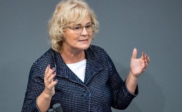 Christine Lambrecht ha propuesto la prohibición del 'upskirting'