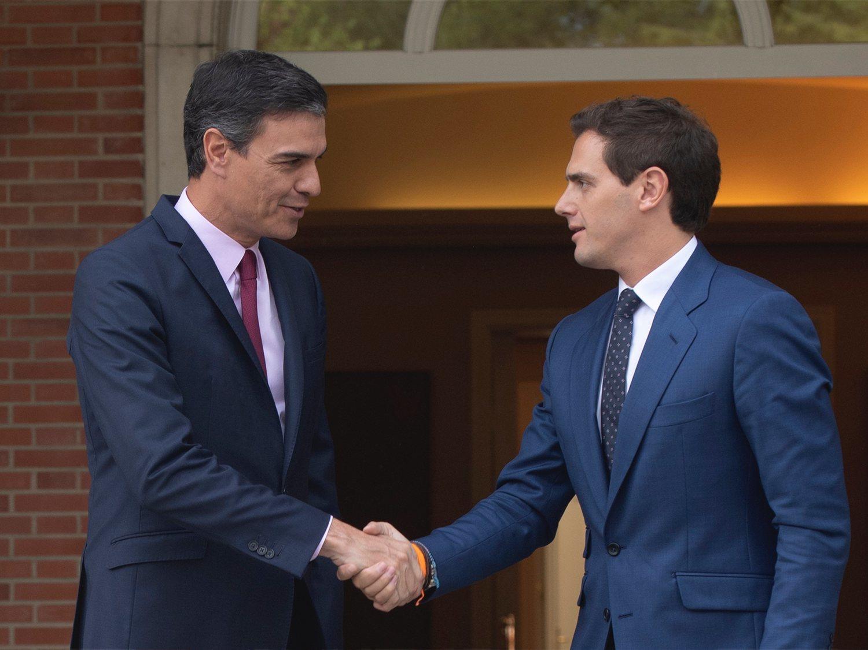 Por qué Cs ofrece un pacto de investidura a Pedro Sánchez 5 meses después de los comicios