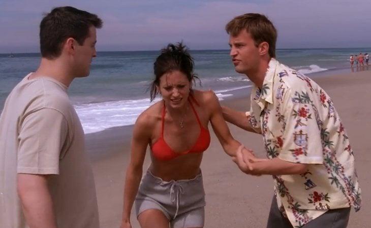 La picadura de medusa, el gran secreto de Joey, Monica y Chandler en 'Friends'