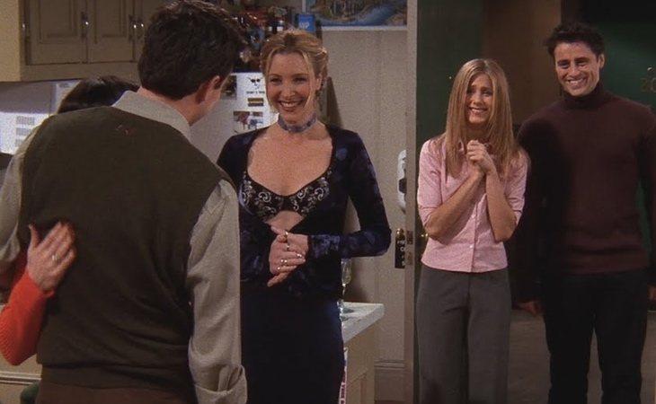 Todos se acaban enterando de la relación entre Monica y Chandler en 'Friends'
