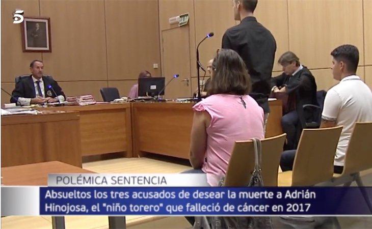 Los tres acusados por un delito de odio e injurias han sido absueltos por el juez en Valencia