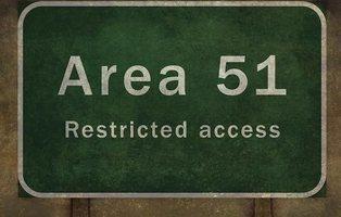 El asalto el Área 51 acaba en fracaso y con cinco detenidos, uno de ellos por orinar en una verja