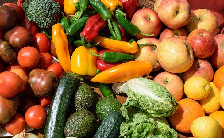 Los expertos recomiendan sustituir la proteína de la carne roja y animal por la de legumbres, frutas y verdueras