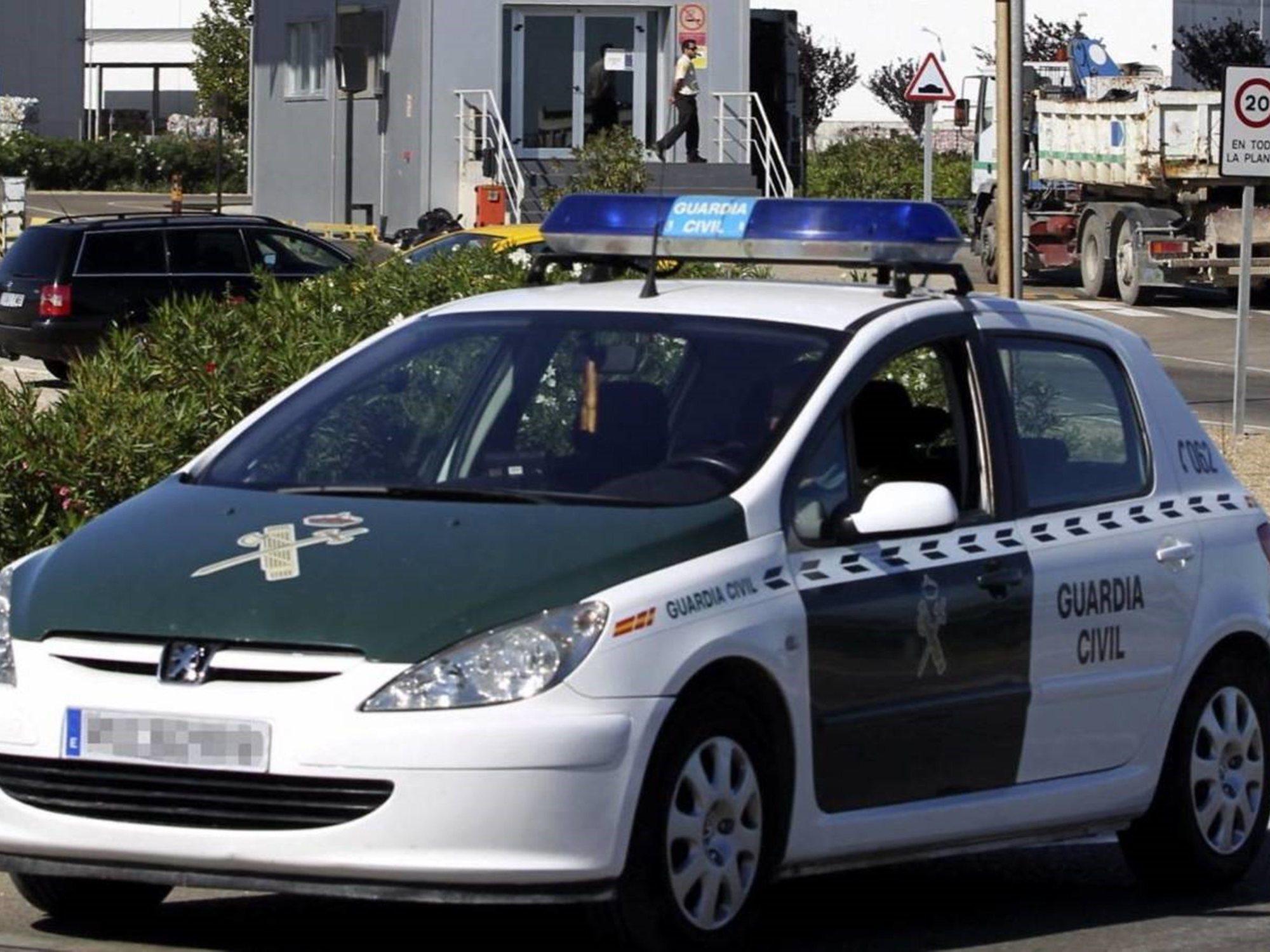 El narco que dejó tres hombres torturados en una cuneta de Chipiona por robar hachís ha huido