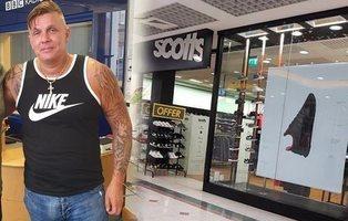 Enseña su pene de 25 cm en mitad de una tienda porque creían que había robado un zapato