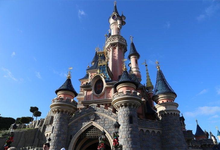 El turista decidió vivir el viaje de su vida en Disneyland París