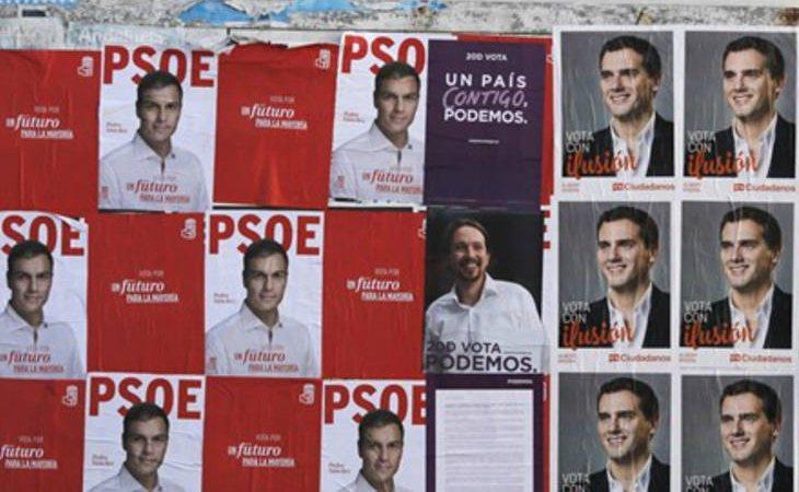 Carteles de los partidos en campaña electoral