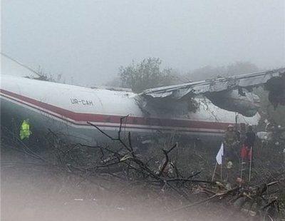 Cinco muertos en un accidente de avión en Ucrania de un vuelo procedente de España