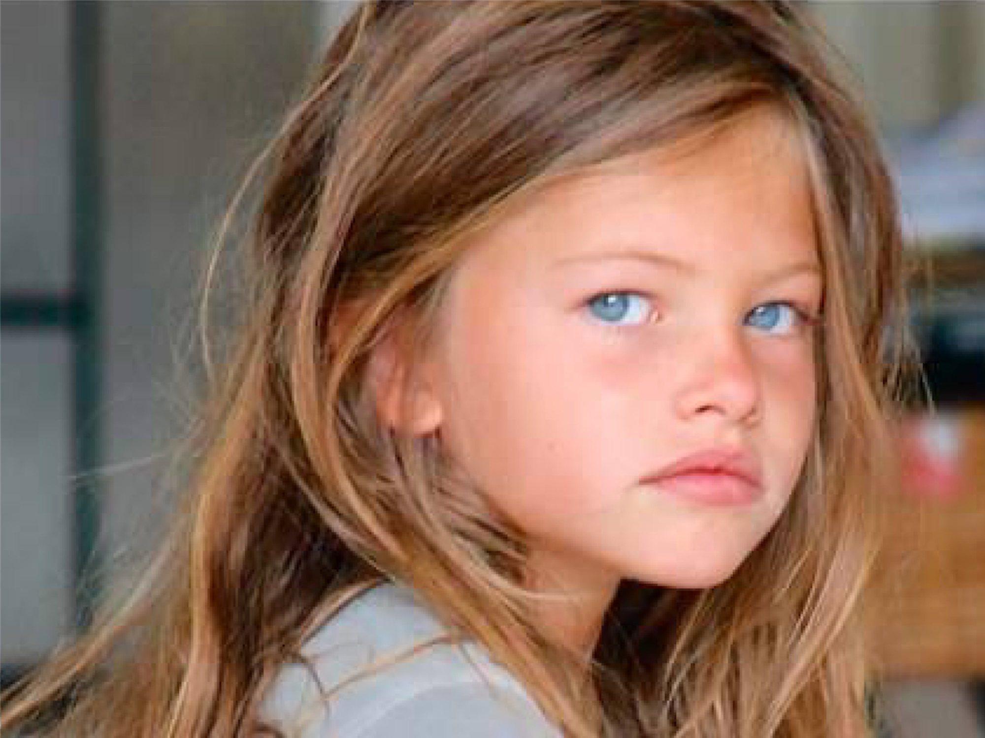 """Así ha cambiado (y crecido) la que fue considerada """"la niña más guapa del mundo"""""""