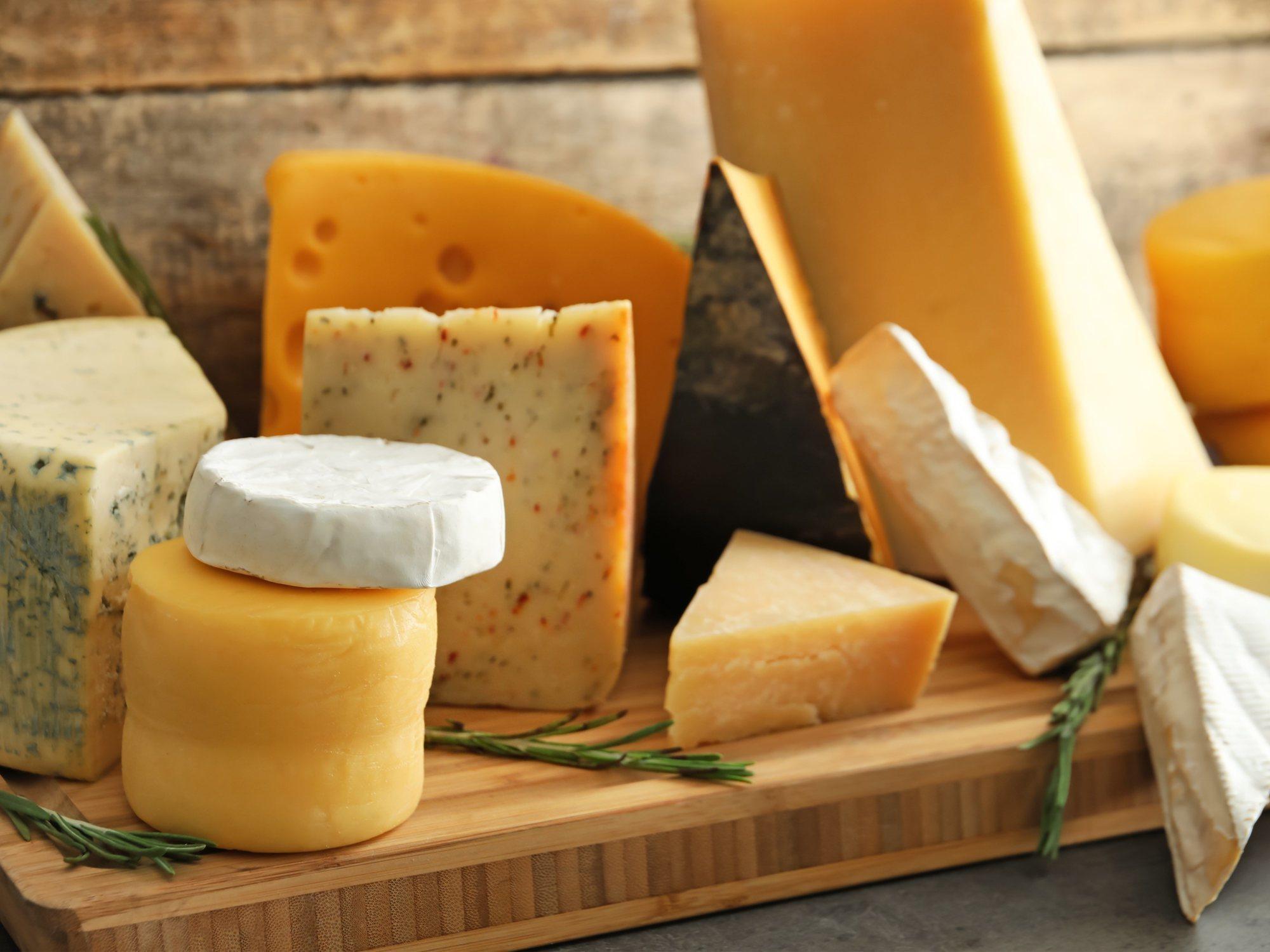 Nueva alerta sanitaria: retiran varios lotes de queso por listeriosis