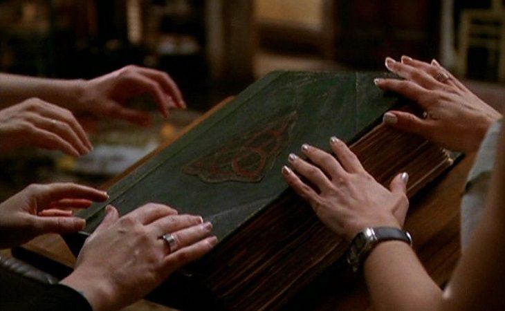 El libro mágico de las sombras de 'Embrujadas'