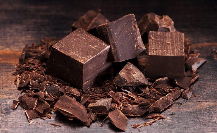 El chocolate negro tiene buena fama, pero también cuenta con elementos perjudiciales para la salud
