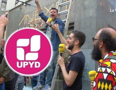 """David Broncano asalta la sede de UPyD al grito de """"¡Con Rivera no!"""""""