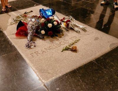 El Gobierno exhumará a Franco antes del 25 de octubre y ordena el cierre inmediato del Valle de los Caídos