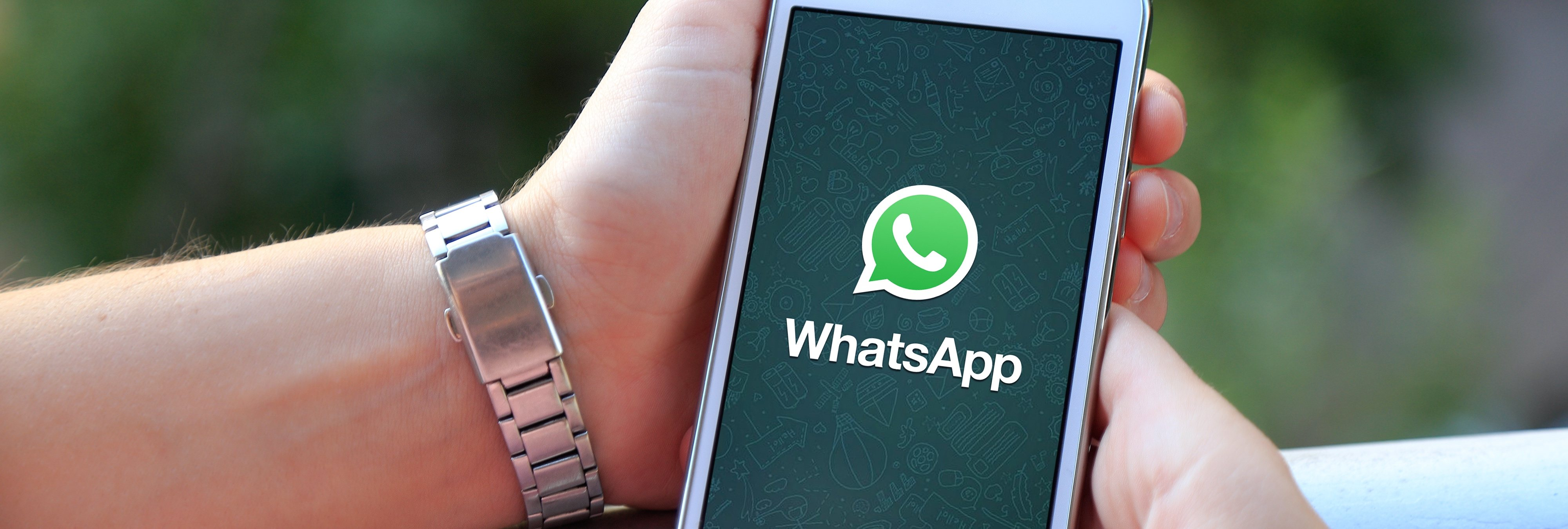WhatsApp bloquea a cientos de usuarios por bromear con la pedofilia