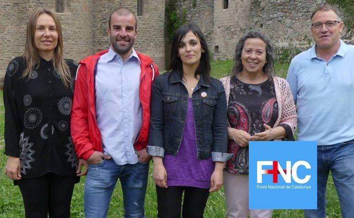 Sílvia Orriols (centro) es la única concejal del partido, en la localidad de Ripoll