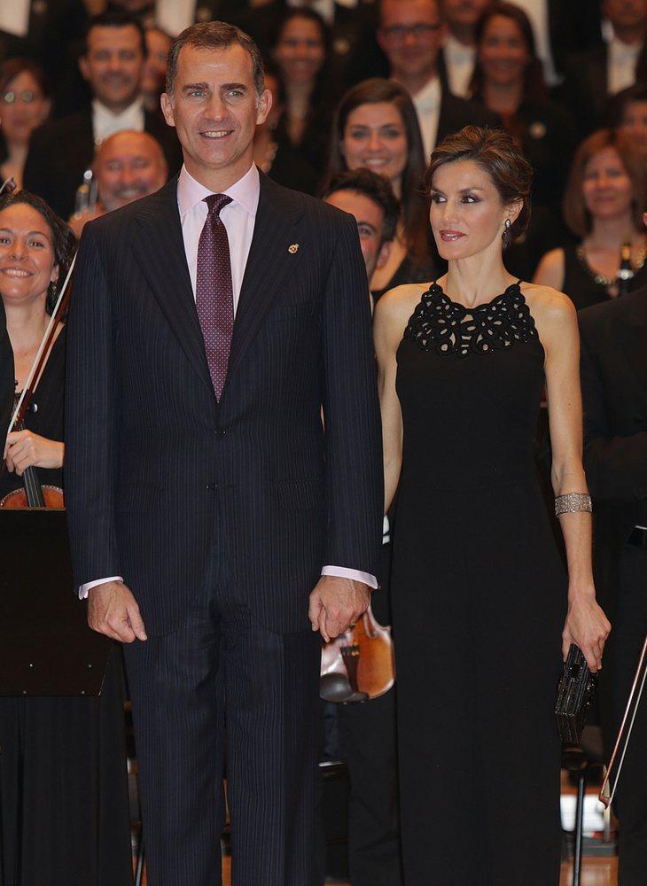 Los reyes de España durante el concierto previo a los premios Princesa de Asturias en 2015