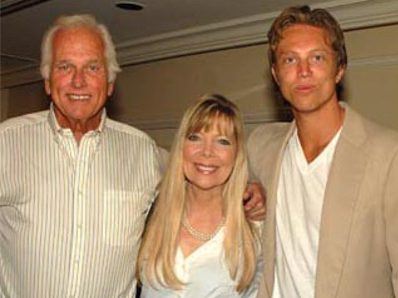 El hijo de Ron Ely, mítico actor de 'Tarzán', mata a su madre Valerie Lundeen y muere forcejeando