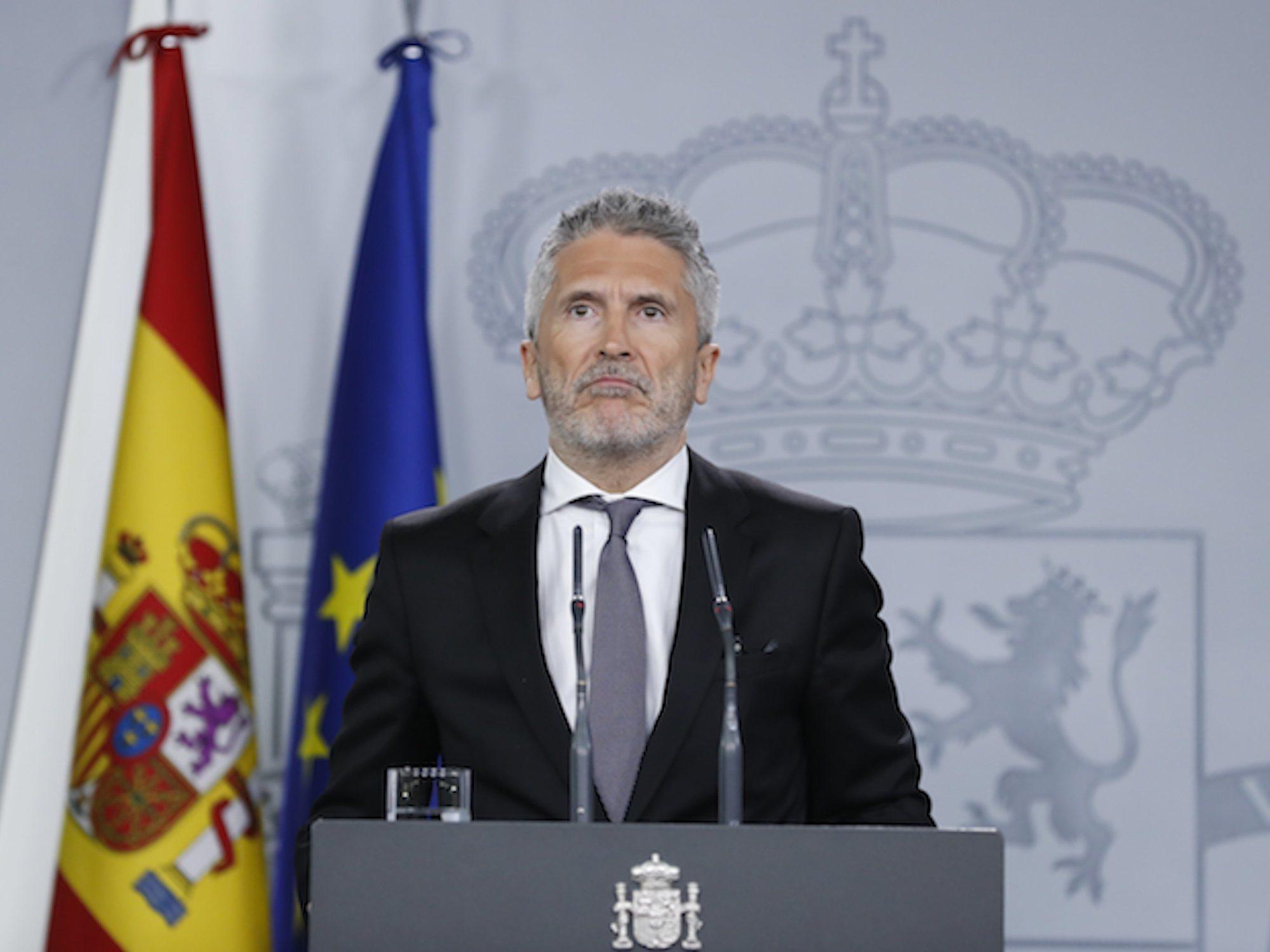 """La realidad paralela de Marlaska, que invita a visitar Barcelona """"con total normalidad"""""""