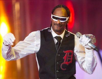 40.000 euros al año solo por liar porros: el trabajo más loco de un empleado de Snoop Dogg