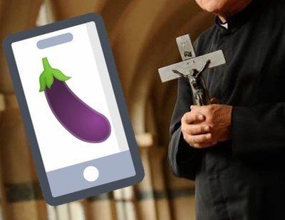 Un cura de 73 años envía una foto de su pene cubierto de estampitas a un grupo de catecismo