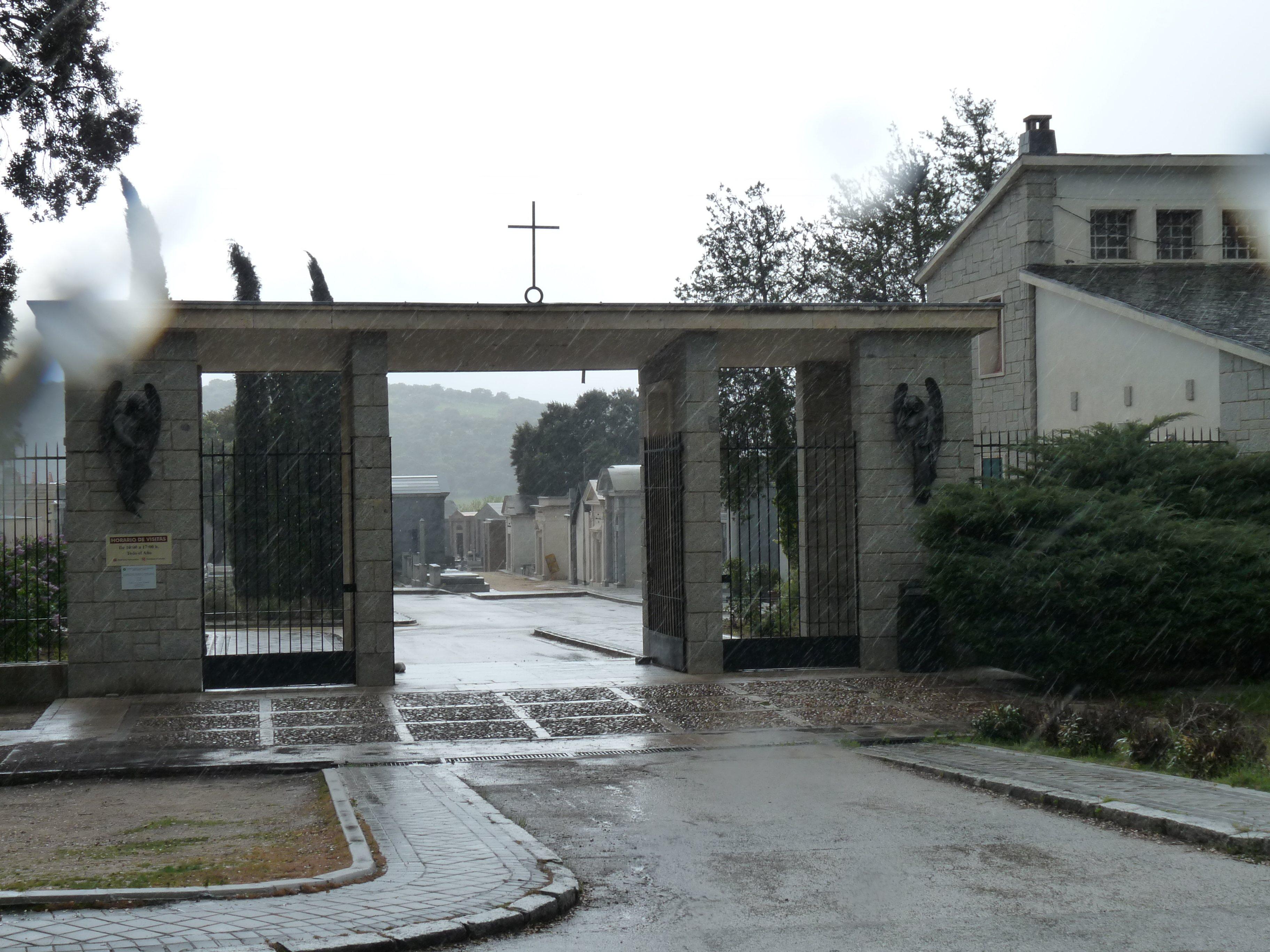 El cementerio de Mingorrubio en El Pardo (Madrid) alberga los restos de Francisco Franco, su mujer, su hija y otros dictadores del siglo XX | CC Alkarrier