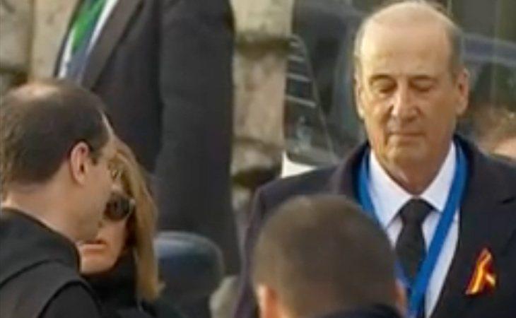 Francis Franco llega al Valle de los Caídos y es recibido por el prior