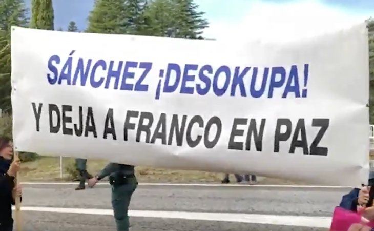 Continúa el despliegue de pancartas franquistas: