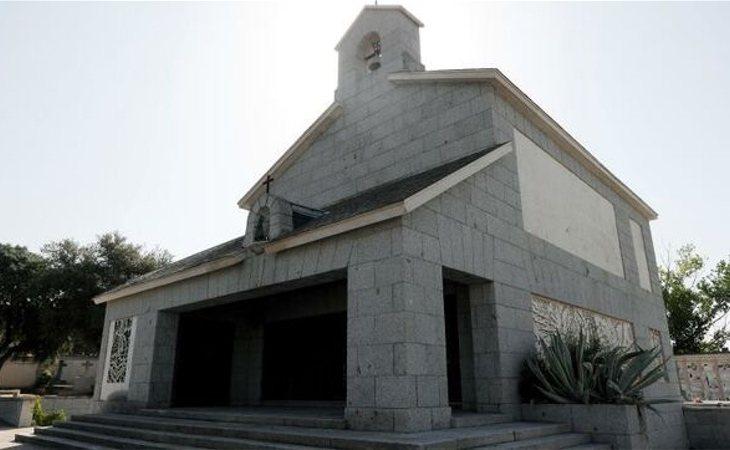 Un grupo fascista acudirá al cementerio de Mingorrubio pese a la prohibición de las concentraciones franquistas
