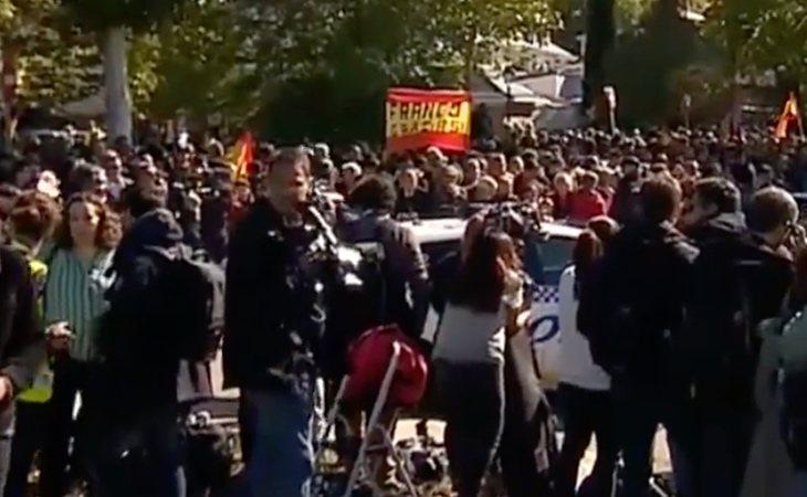 Insultos y agresiones a la prensa en la concentración franquista ilegal de Mingorrubio