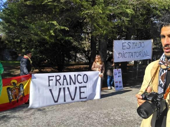 'Movimiento por España' protestando por la exhumación del dictador | Fuente: Movimiento por España