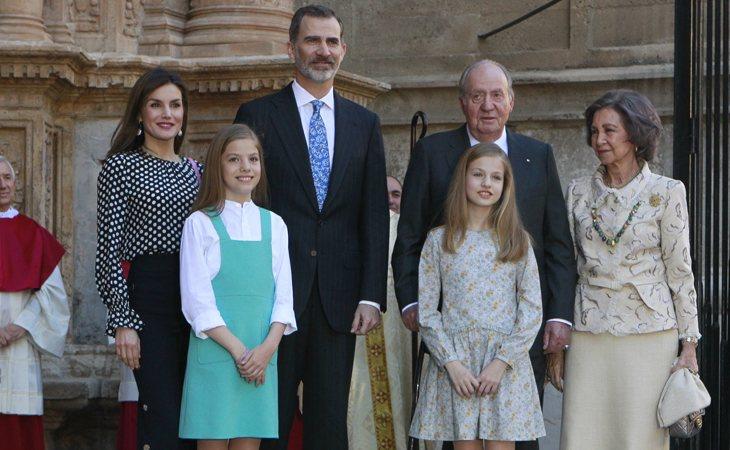 Desde hace años, don Juan Carlos y doña Letizia evitan coincidir juntos en eventos públicos y rara vez posan juntos ante la prensa y los medios de comunicación