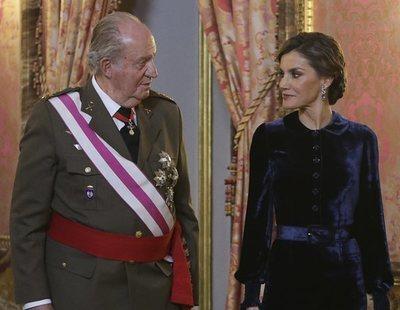 """La reina Letizia carga contra el rey Juan Carlos y le acusa de """"cargarse la monarquía"""""""