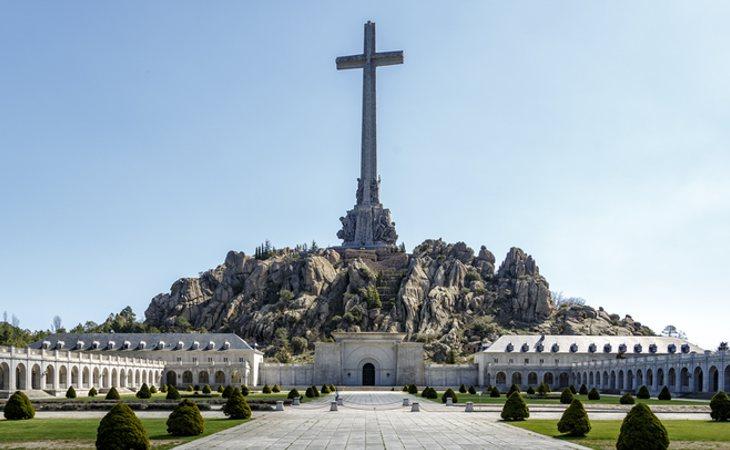 Pedro Sánchez no sacará a Primo de Rivera del Valle de los Caídos por considerarle víctima de la guerra al ser fusilado en el iniciod e la guerra