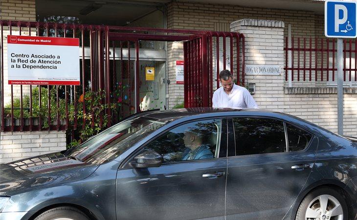 Las salidas de Brieva de Urdangarin son miradas con lupa por la prensa, que cada martes y jueves acude al centro Don Orione a esperar al marido de la infanta Cristina